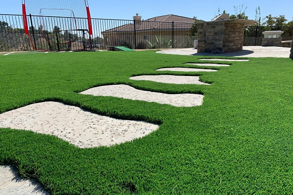 Landscaping - Solid Green Construction